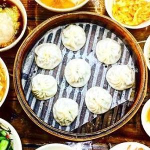 淡水で人気の小籠包店「蒸美味小籠湯包」で自分だけの台湾名物セットを食べちゃおう!
