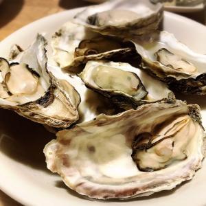 <ふるさと納税:北海道厚岸町>日本で唯一、1年中出荷可能!厚岸産牡蠣を食べ比べ【北海道厚岸産 殻かき三種食べ比べお試しセット】
