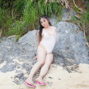 岩の上にも水着で3年(沖縄恩納村のビーチで水着撮影その16)