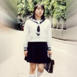 登校中その2。セーラー服撮影