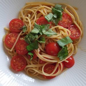 トマトとバジルのスパゲティの思い出とレシピ