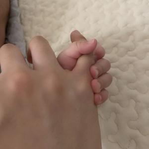 生後1ヶ月赤ちゃんの成長記録。授乳間隔,お風呂,睡眠など新生児からの変化