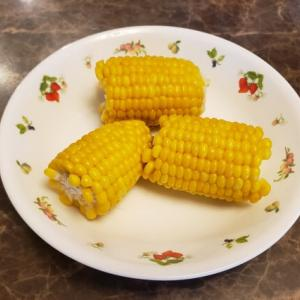 【ホットクック】蒸しとうもろこしのレシピ|塩なしでも甘くておいしい