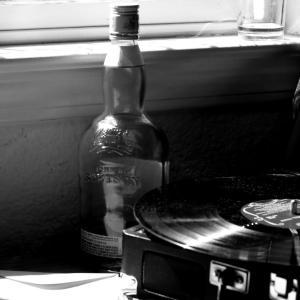 グレン・グールドのレコードを聴いたり…