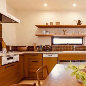 【Web内覧:キッチン①】ドアを開けるとキッチンが丸見えな家
