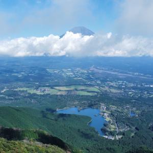 田貫湖キャンプ場から長者ヶ岳(ちょうじゃがたけ)(標高1335m)静岡県富士宮市
