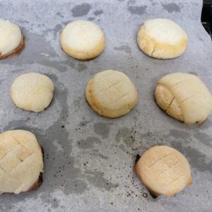米粉メロンパン試作