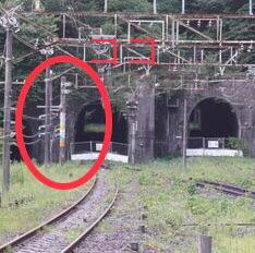 横軽の架線柱