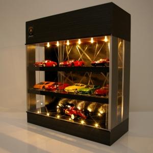 3層ブラック・照明18灯タイプ・ディスプレーBOX / 床・天井にLED照明付/トミカ21台収納可能、SNSなどにも最適