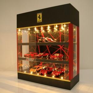 3層ブラック・レッド&ミラーLED24灯タイプ・ディスプレーBOX / 床・天井にLED照明付/トミカ21台収納可能
