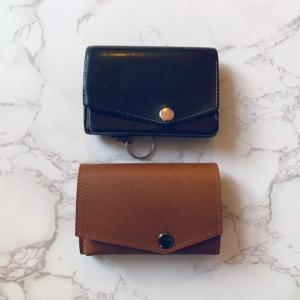 アブラサス 「小さい財布」ブッテーロレザー5年使用レビュー【経年変化画像あり】