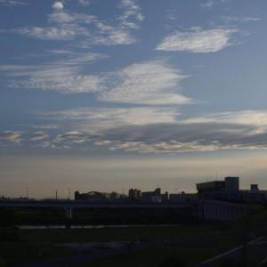 標準レンズを使ってみる 8日目風景(雲)を撮る