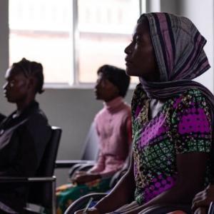 タンザニアの人口構成と将来の見通し。年齢構成や学歴構成の変化を確認する