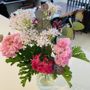 【お花のある生活】お花の定期便HitoHanaを頼んでみた