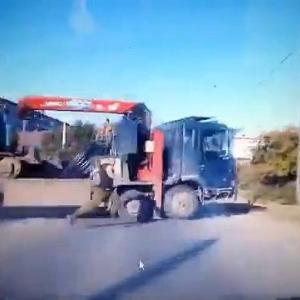 [動画0:15] この事故、うちの村じゃない!なぜなら・・・→理由がw
