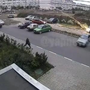 [動画0:41] クリミア怖すぎ!ロケットランチャーで車を狙われる