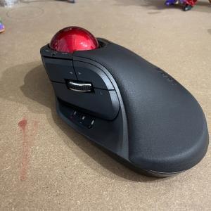 【レビュー】エレコムHUGEトラックボールは私にとって運命の入力デバイスの一つのようだ