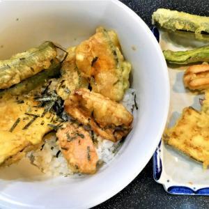 天丼&天ぷら盛り合わせで1人前100円!!貧乏ですまぬ…。