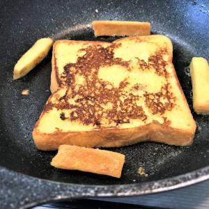 ほんの少しのコツで美味しいフレンチトーストに!ポイントは卵液を滑らかにすること。