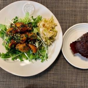 """肉サラダ  """"  コチュジャン唐揚げと千切りフリルレタス  """"  とサザエのおはぎ"""