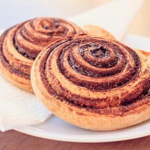 「昼は菓子パンだけ」は色々ヤバい。菓子パンに代わる昼食の選び方。