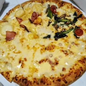 【似非グルメの美味礼讃】ドミノ・ピザの『5種のチーズフォンデュクワトロ』