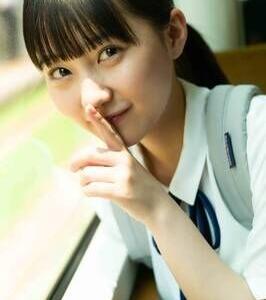 HKT48田中美久1st写真集『1/2少女』、オリコン1位 2度目重版も
