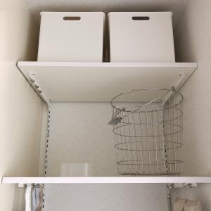 洗濯機上のデッドスペースを有効活用。DIYで棚を作って収納スペースをプラス