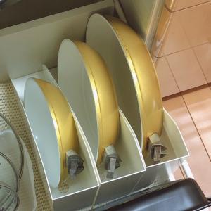 取っ手が取れる、おすすめのフライパンは?セリアのファイルスタンドを使って収納。