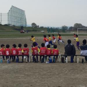 子供にスポーツを。「スポ少」と「スクール」どっち派?