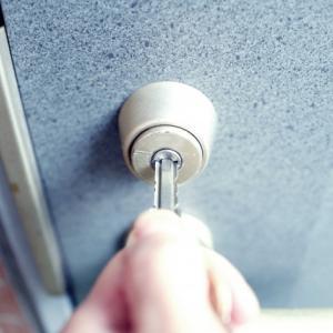 鍵っ子が巻き起こす家庭問題。10歳の息子に鍵を預けてみたら…