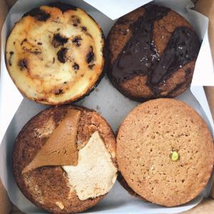ボリュームたっぷりのソフトクッキーをHDBの隠れ家的なお店で購入する。