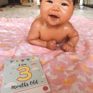 シンガポールで生まれた次女、生後3ヶ月になりました。