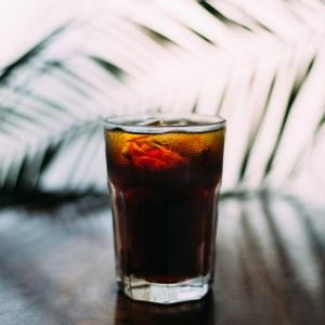 【コップサイズも!】デロンギのコーヒーメーカー(マグニフィカS)でおすすめのアイスコーヒーの作り方!