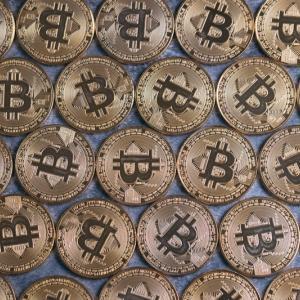 ビットコインではなくマスクコイン?ビットコインが発現後に上昇。