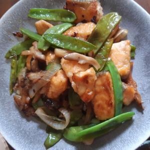 夏にサッパリ、鮭と野菜の甘酢炒め
