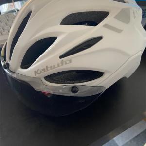 ヘルメットが届きました!