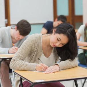 考试前该学习还是睡觉?