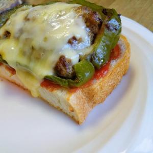 【ピーマンの肉詰め】トースト