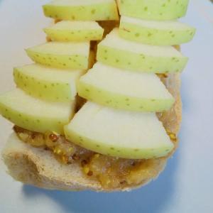【りんご×粒マスタード】トースト