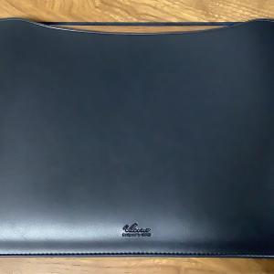 MacBook Air M1用の薄型レザースリーブケースを買ってみた