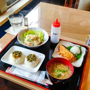 【ブックカフェ JAN KEN PON】心もお腹も和む優しさに包まれるブックカフェ/日向市東郷町