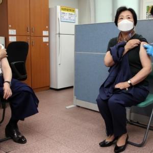 ムン大統領のワクチン接種すり替え疑惑でネット騒然