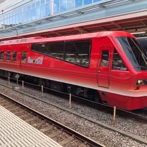 伊豆急2100系 キンメ電車と黒船電車