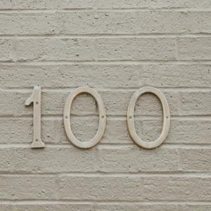 アクセス数 100 突破しました。