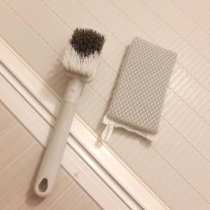 【お風呂掃除】折れ戸のレール掃除