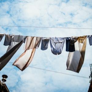 【同棲 洗濯】汚れがキレイに落ちて、早く乾く方法とは?