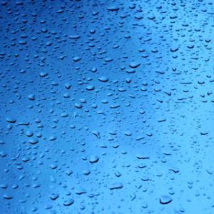 【二度拭き要らず】フロントガラスの油膜が簡単に落とせる洗剤とスプレーボトル