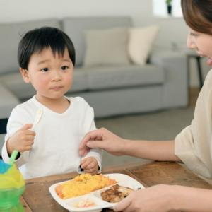 好き嫌いが激しい子どもには「食べてみよう」と思える工夫を!