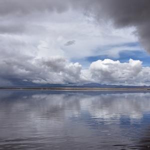 2018年ペルー・ボリビア旅行記 第32回 ウユニ塩湖探訪その1 雲海を映すウユニ塩湖を行く